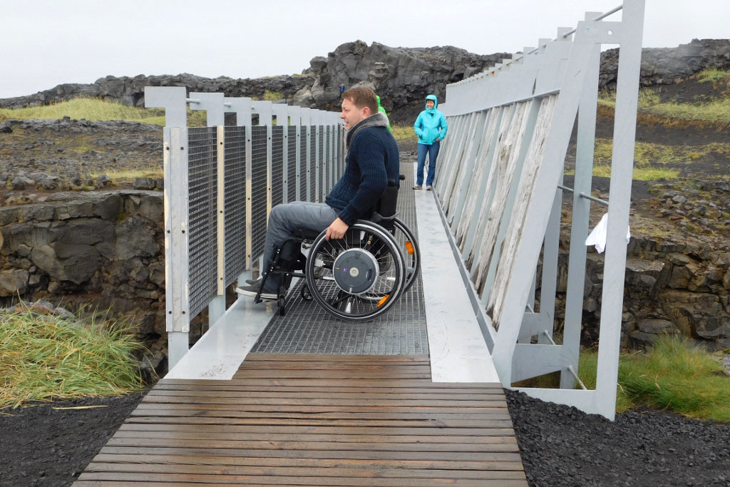 Bridge Between the Continents - Reykjanes Peninsula - Iceland accessible day tour from Reykjavik