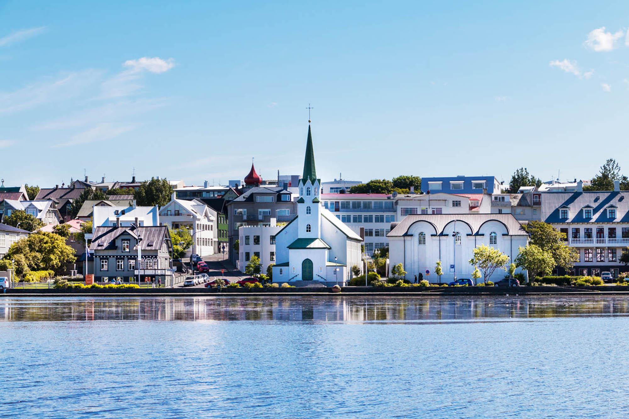 Reykjavík - Fríkirkjan and the pond