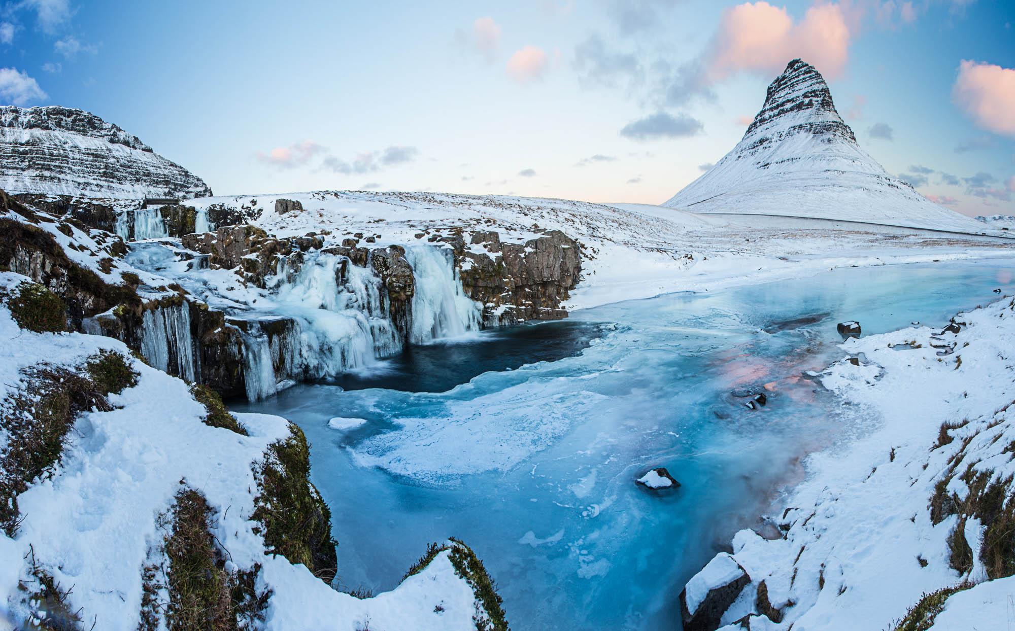 Kirkjufell in winter - iceland winter package