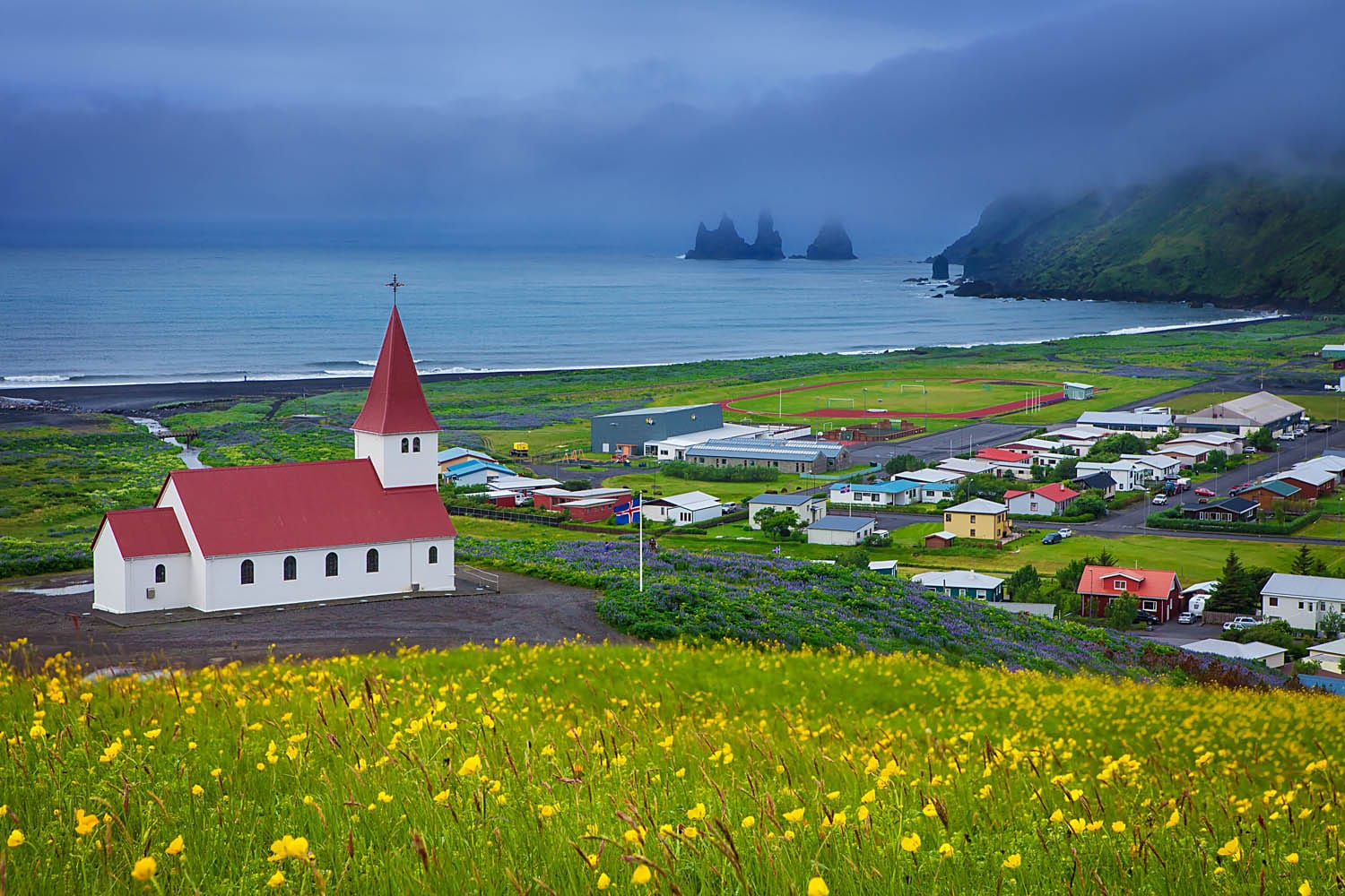 Panorama of Vík, view over the church