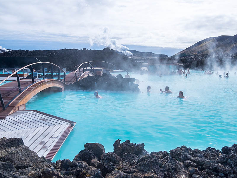 blue lagoon iceland hot springs
